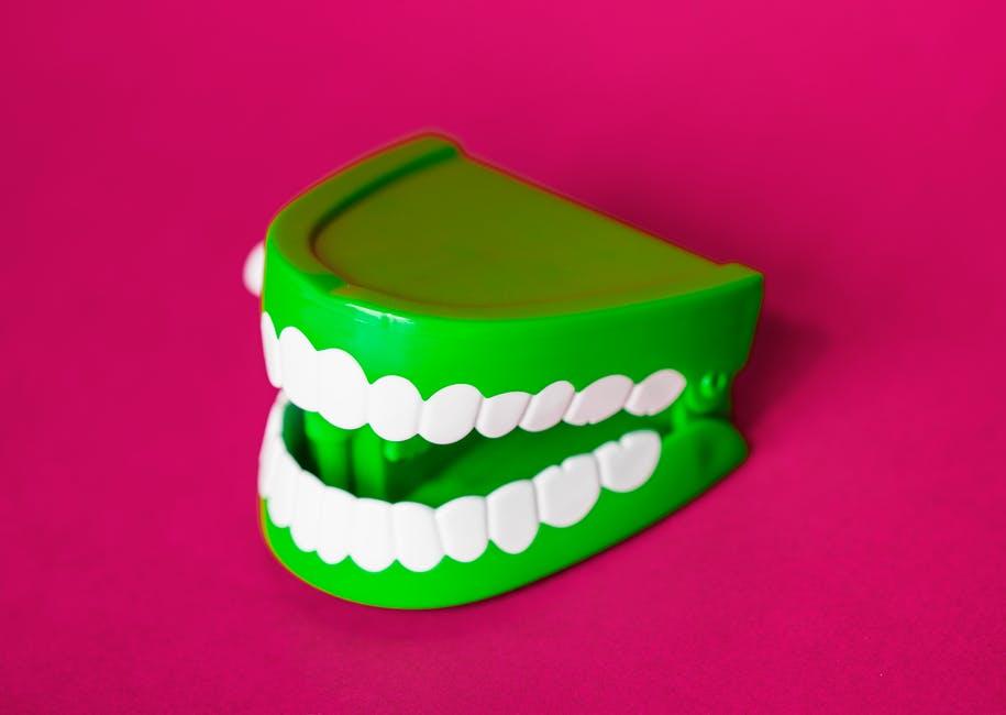 顎関節症とは【大阪の心斎橋の鍼灸と整体・自律神経の専門】